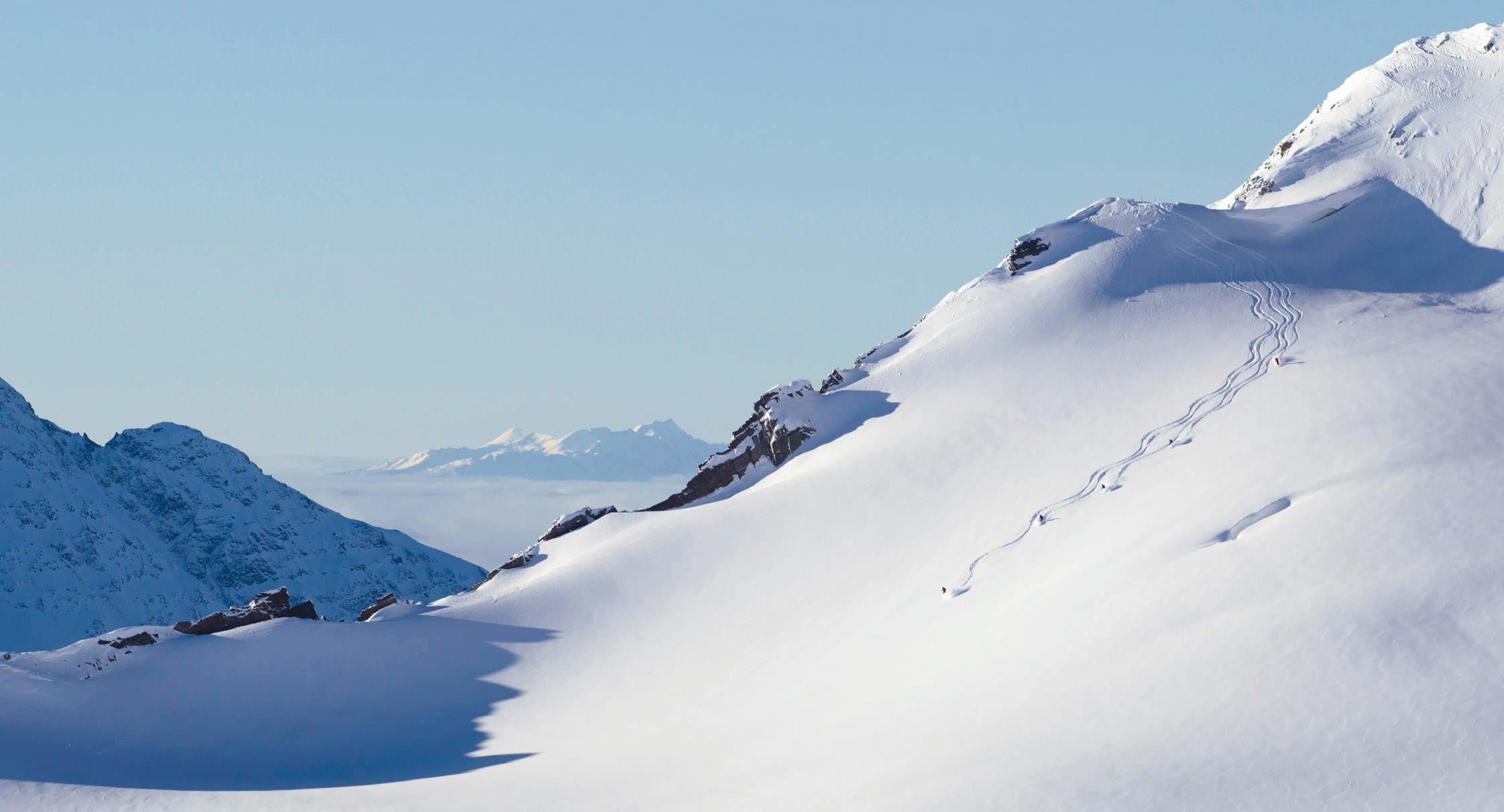 heliskiing_mountains-view